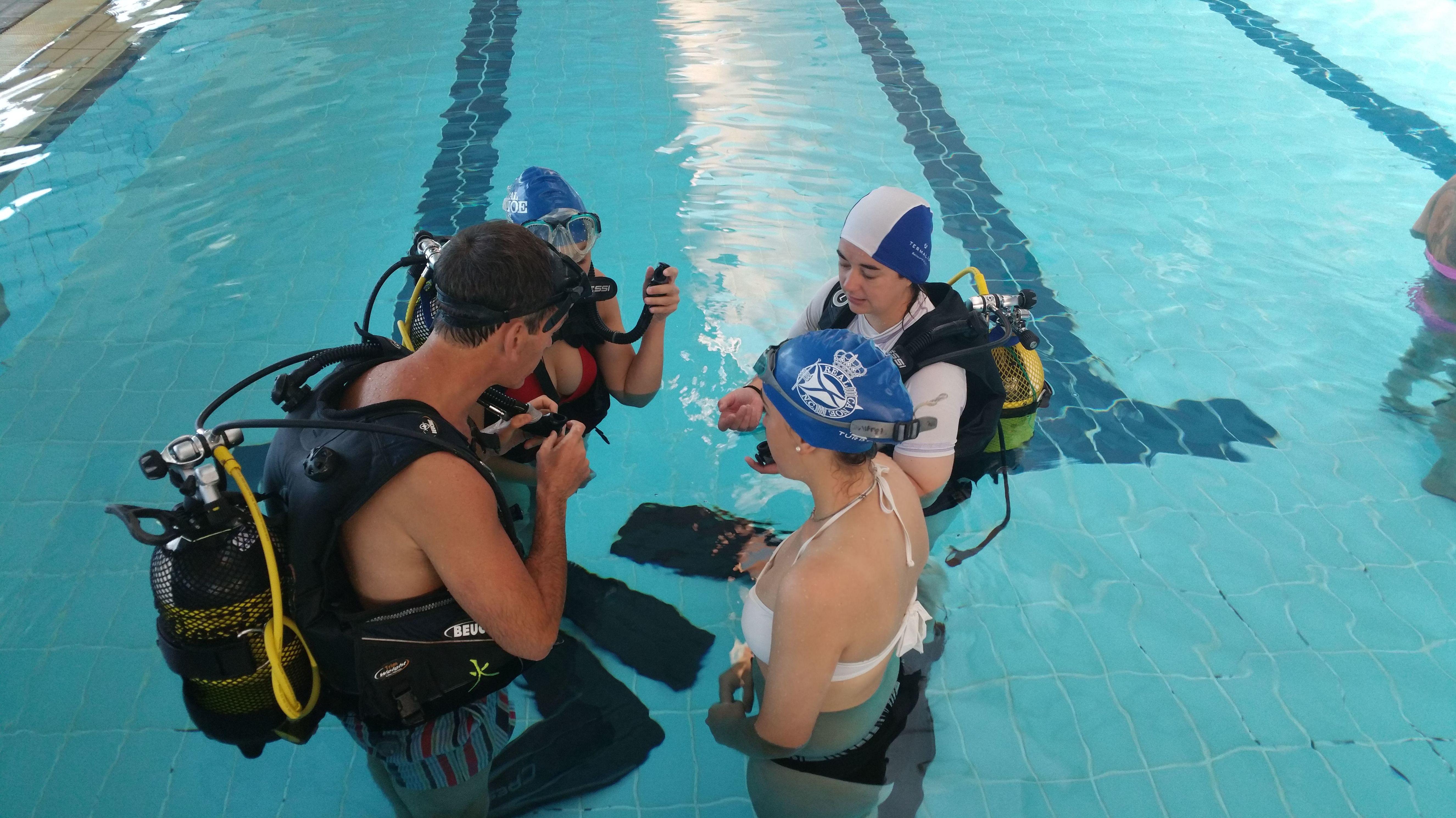 Raya Sub, cursos de submarinismo en piscina en Madrid