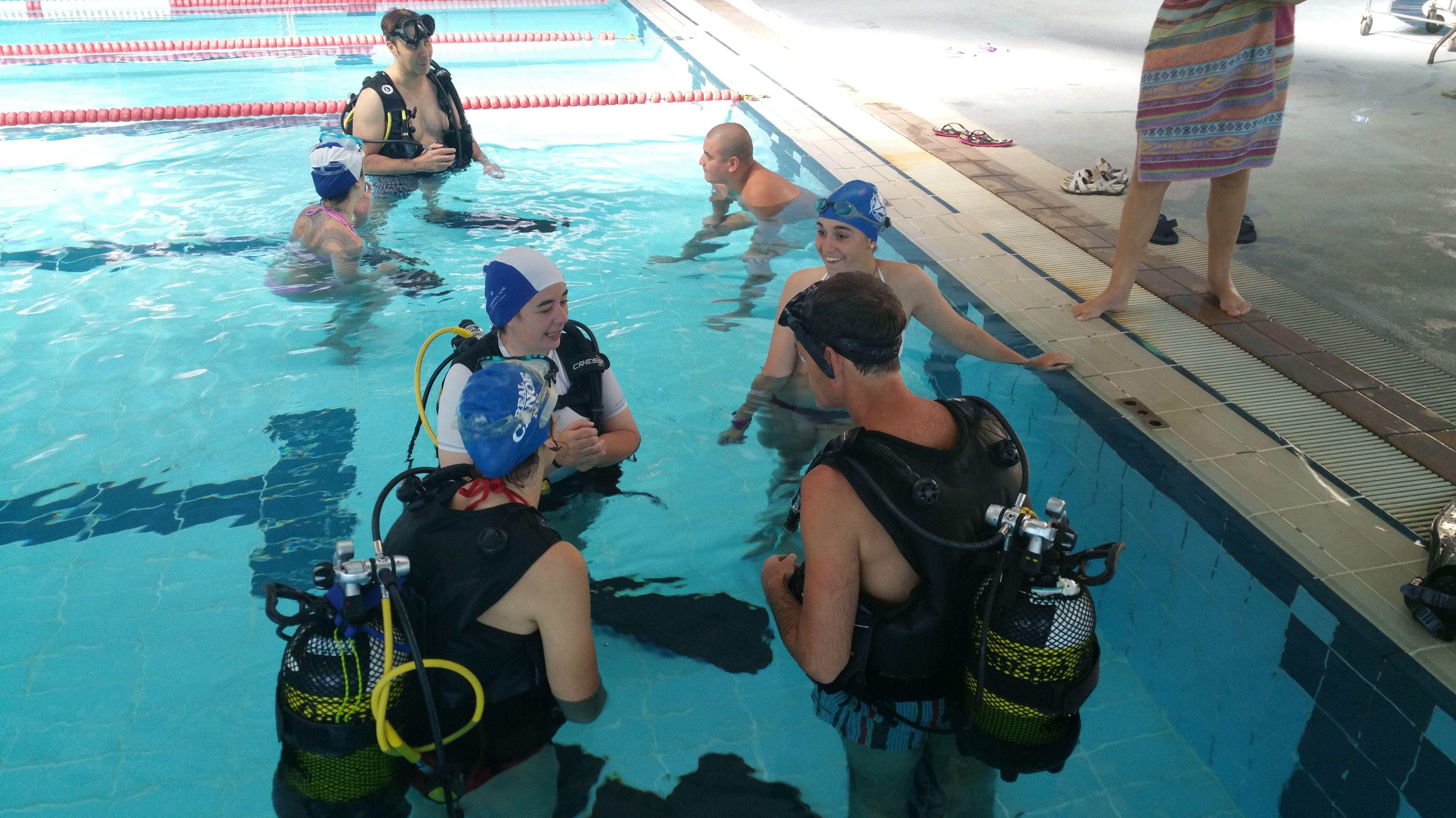 Cursos de buceo en piscina en Madrid