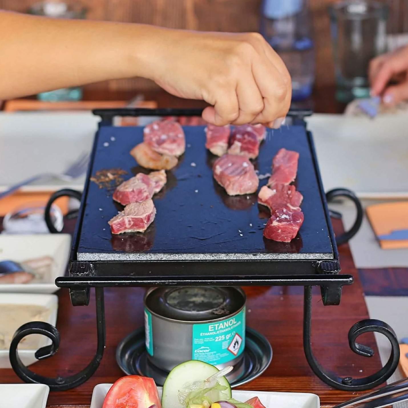 carne a la piedra en La Orotava