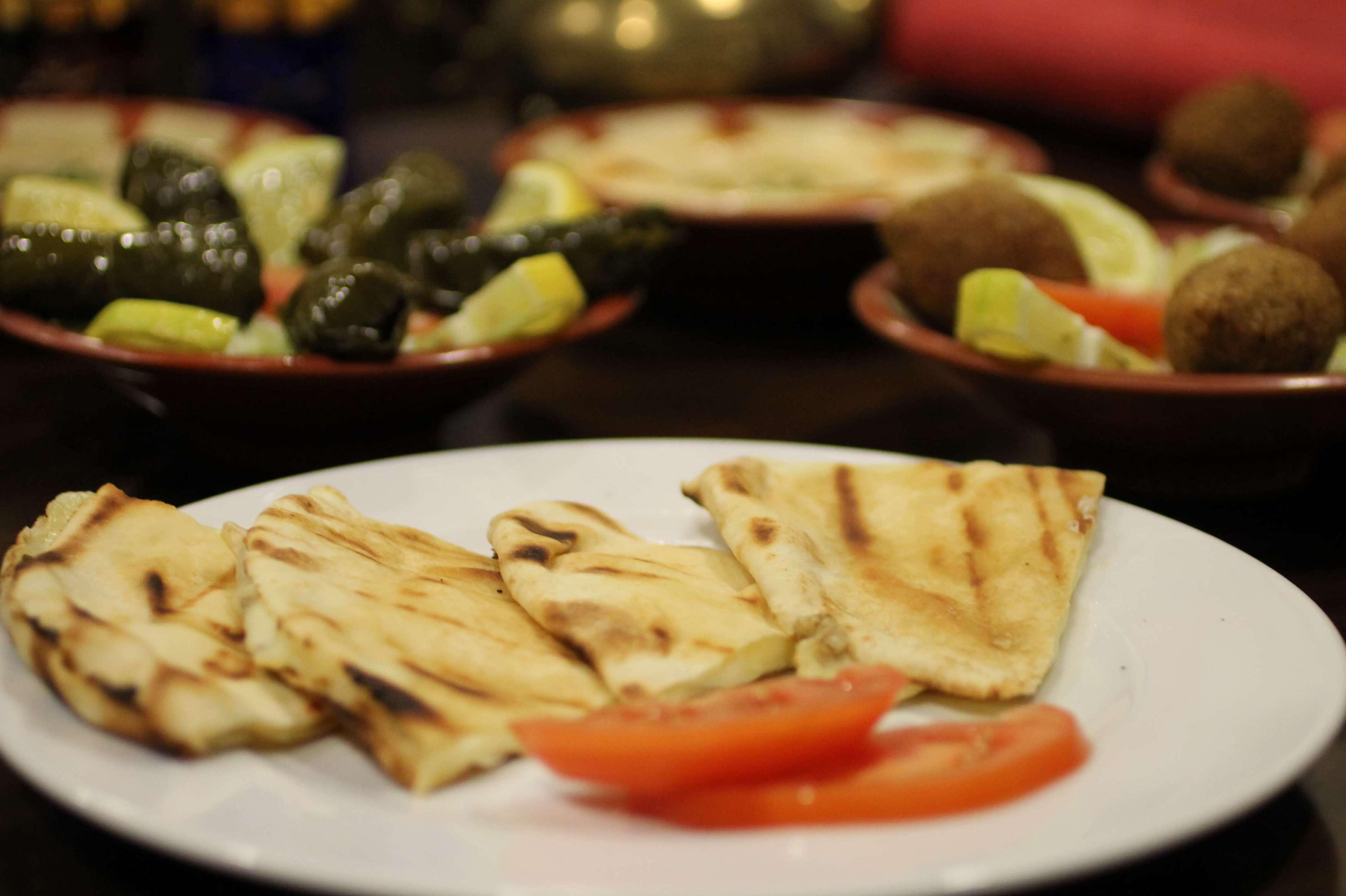 Triangulos de queso - Restaurante Mataró - Les Mil i Una Nits