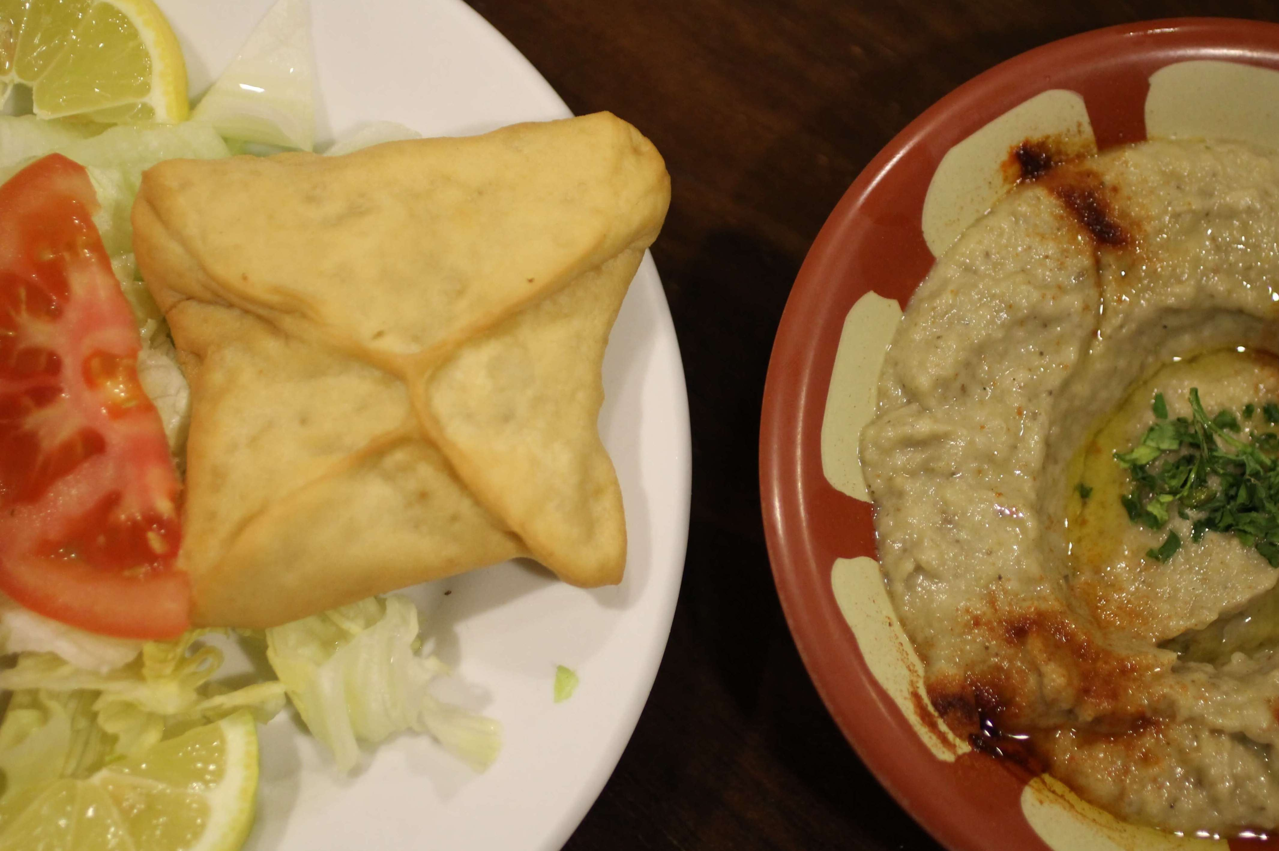 Relleno de espinaca y Mutabal - Restaurante Mataró - Les Mil i Una Nits