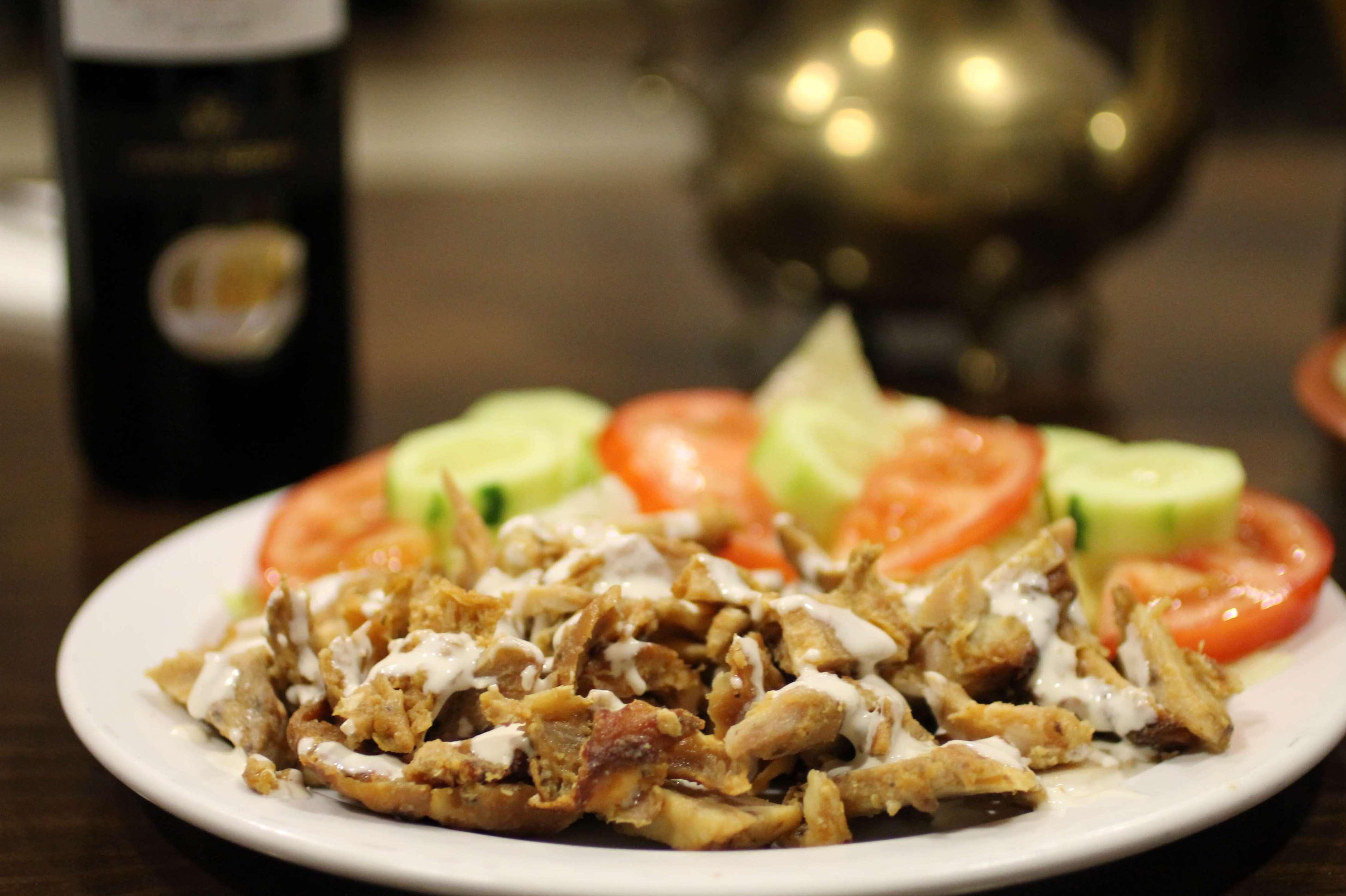 Shawarma de pollo con ensalada - Restaurante Mataró - Les Mil i Una Nits