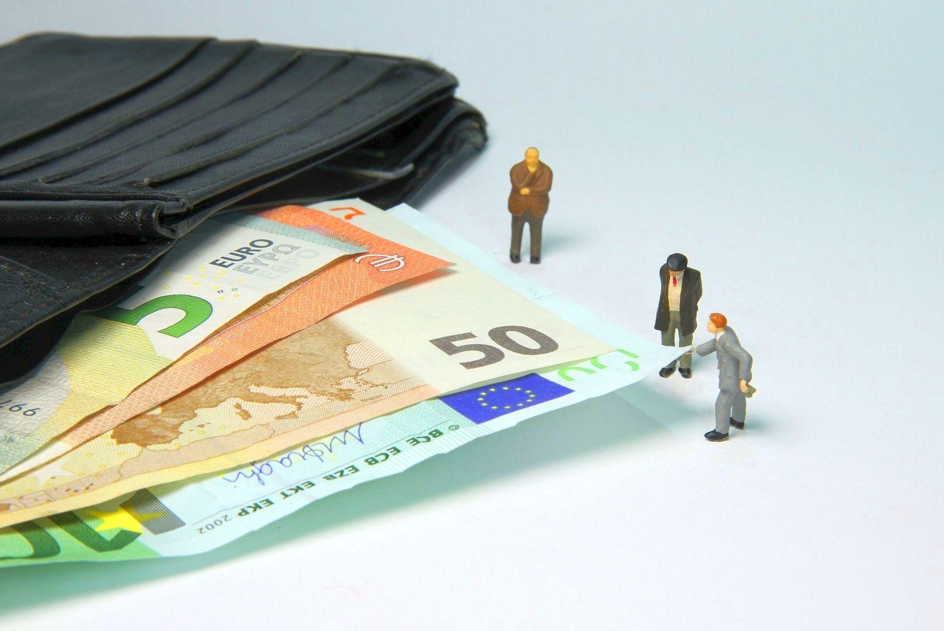 La Agencia Tributaria reforzará la asistencia al contribuyente con un proyecto piloto