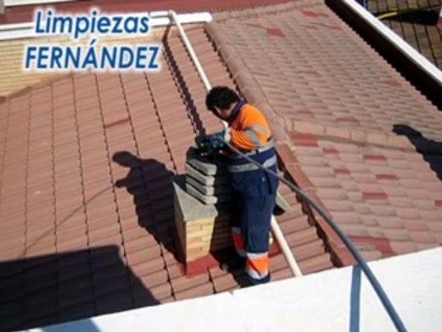 Chimeneas: Nuestros servicios de Limpiezas y Alcantarillados Fernández