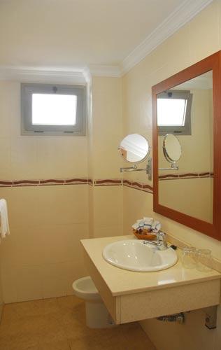 Foto 19 de Hoteles en Las Palmas de Gran Canaria | Hotel Pujol **