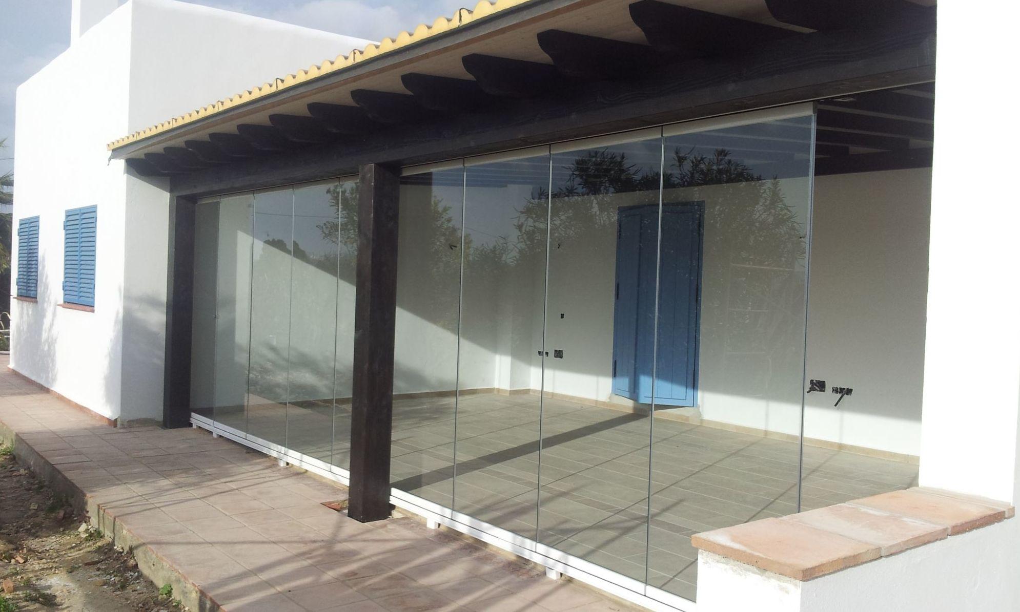 Cerramientos con cortinas de cristal