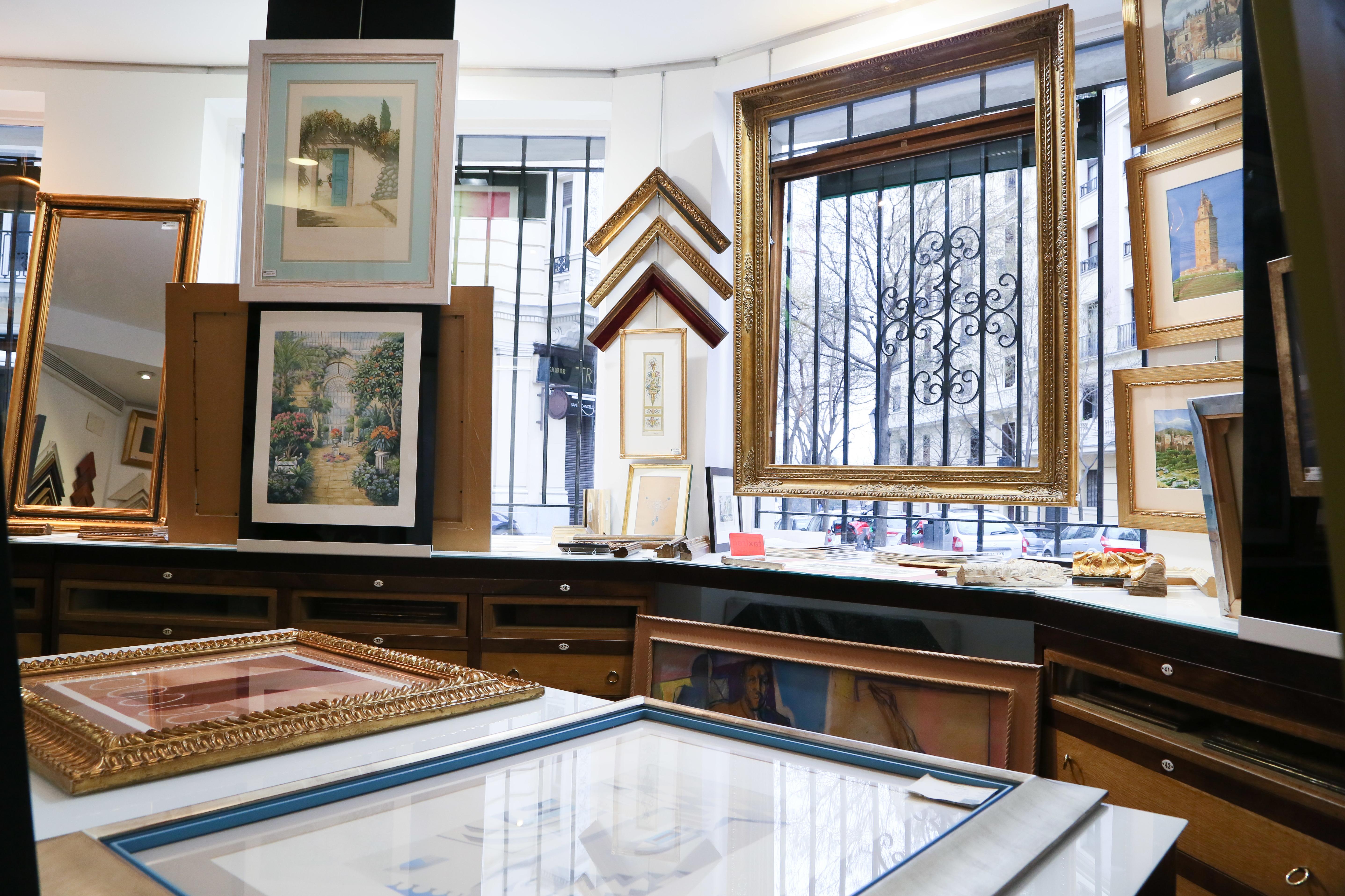 Enmarca tus cuadros en Cano 1907 en Madrid