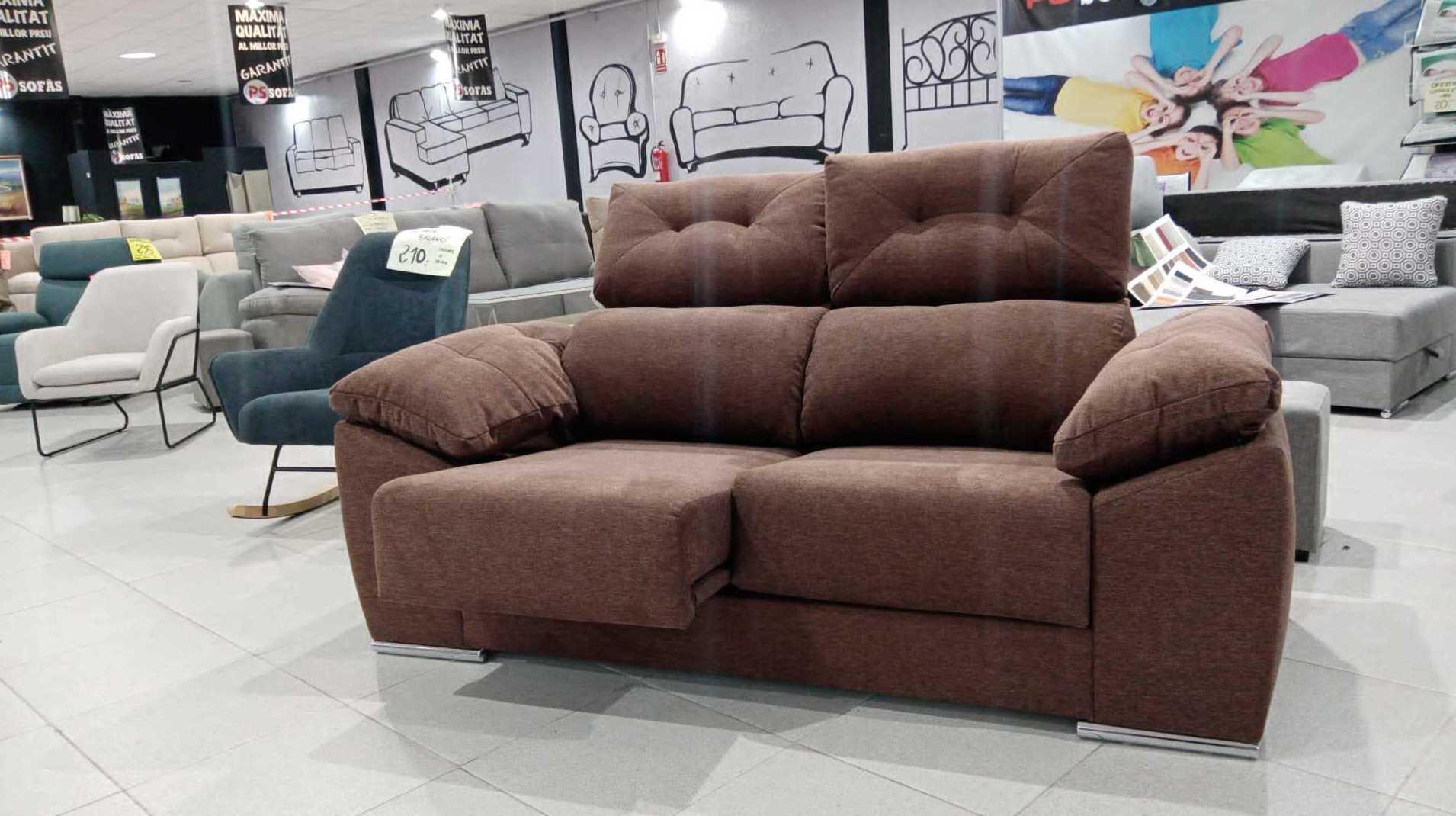 sofá de dos plazas en Villafranca