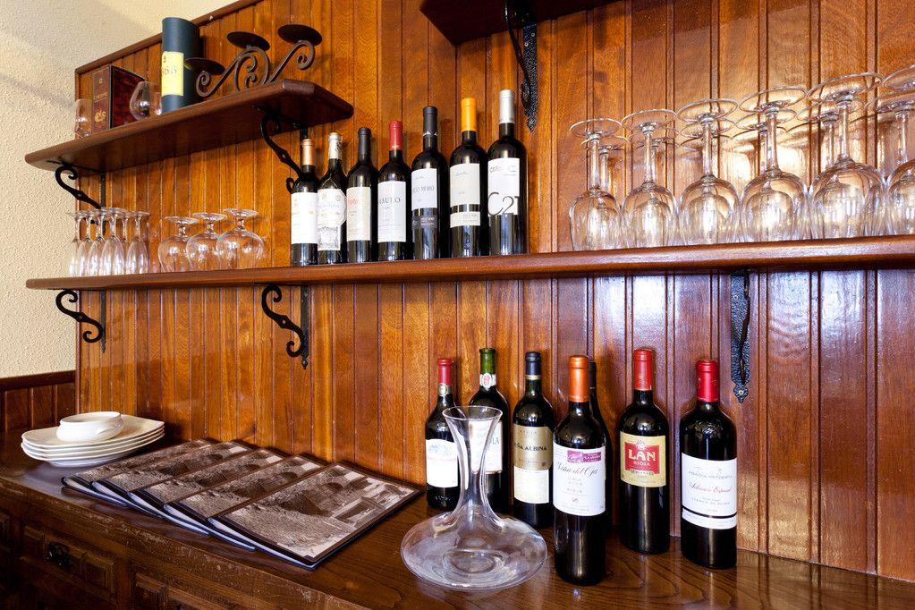 Excelente bodega de vinos