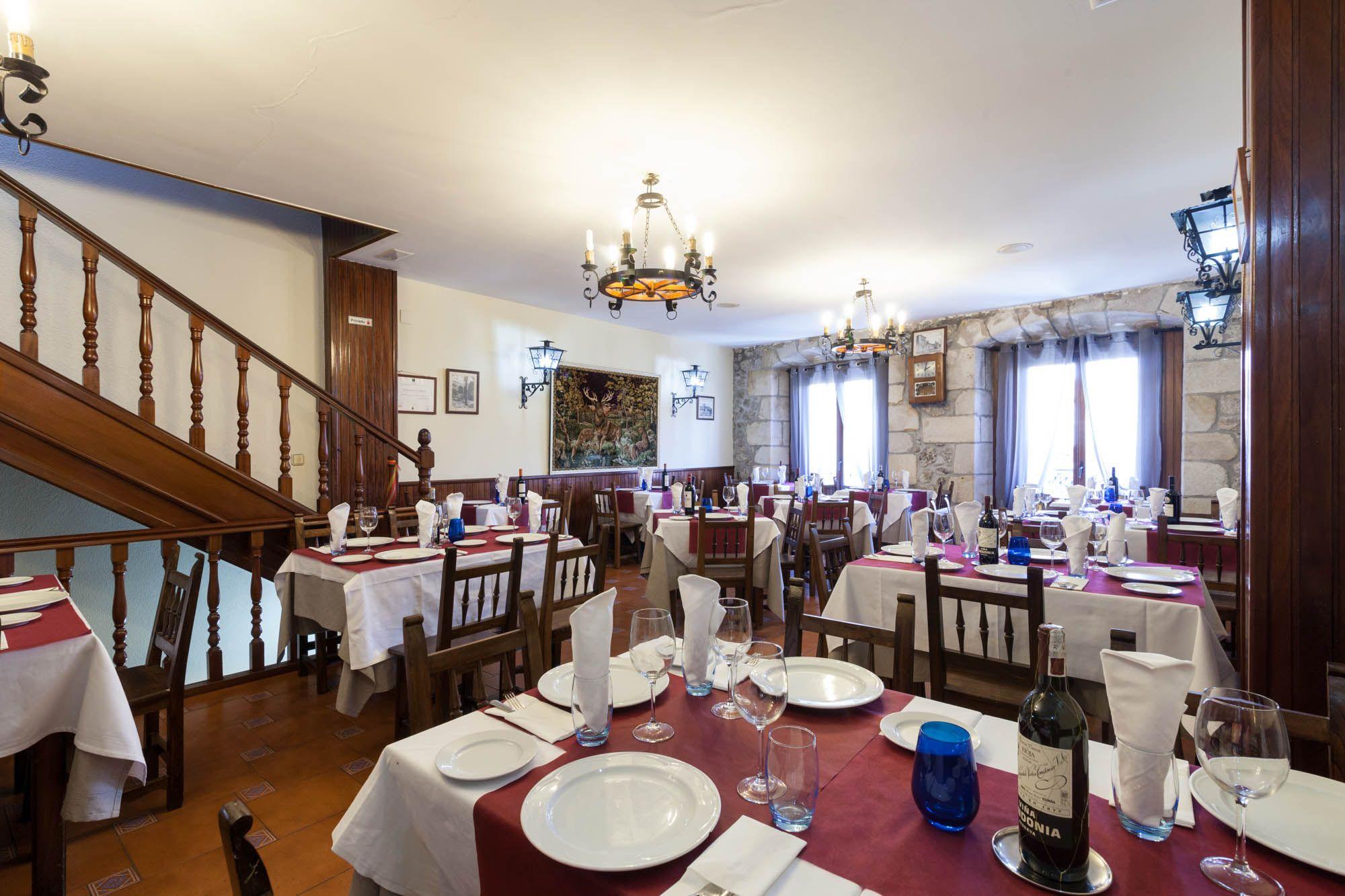 Salón del restaurante en Laredo