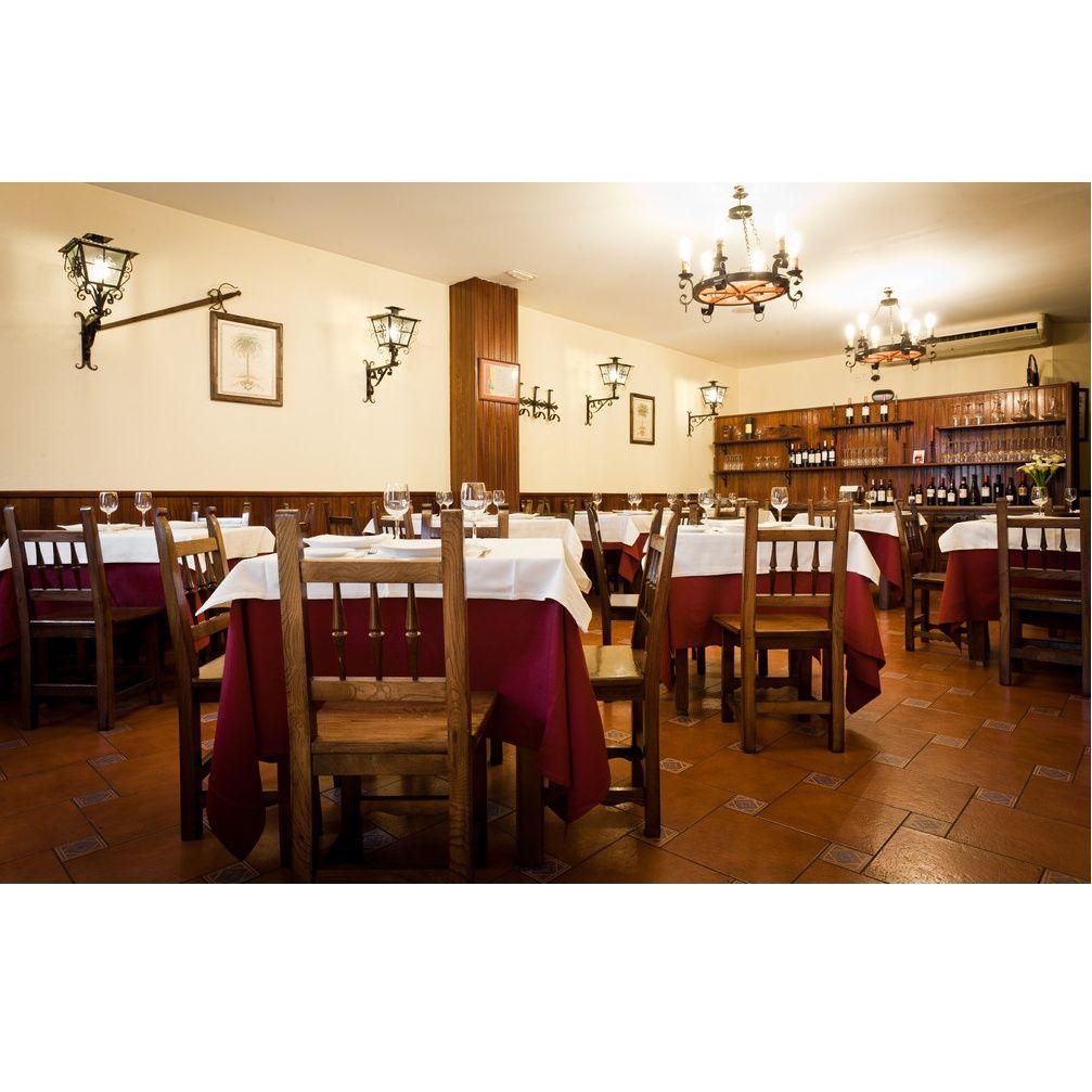 Cocina castellana: Carta y servicios de Mesón La Abadía