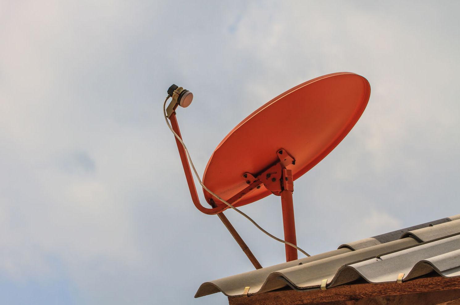 Antenas parabólicas orientadas a cualquier satélite con recepción en España
