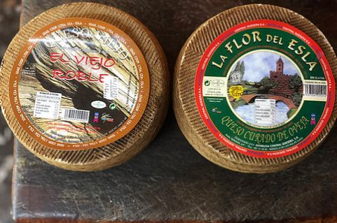 Pack oferta Quesos de León: Oveja viejo + oveja curado: Productos de El Racó del Bierzo