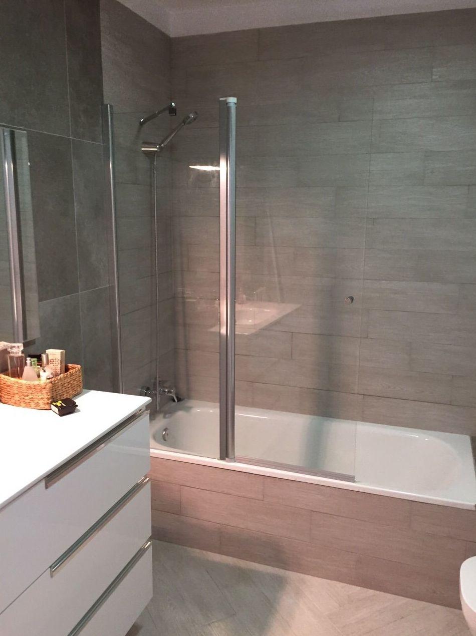 Fabricación y montaje de mamparas de panel fijo para bañeras en Tenerife