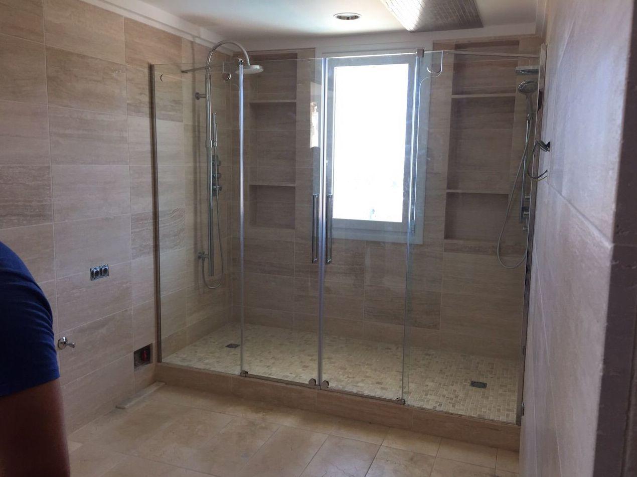 Fabricación e instalación de mamparas de baño y ducha en Tenerife