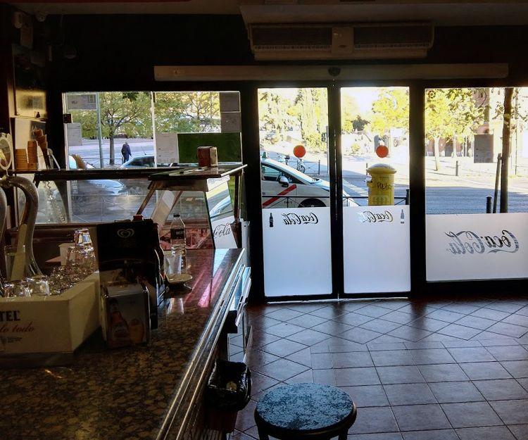 Interior de nuestro bar en Madrid