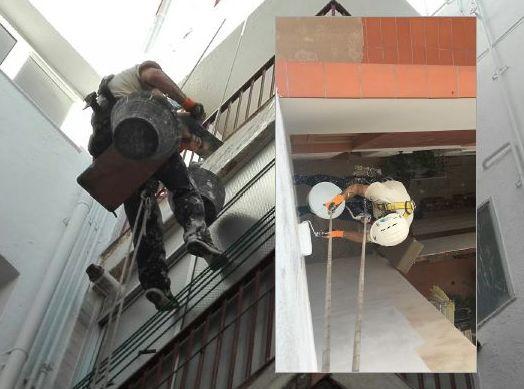 Trabajos verticales en patio de luces, en Tarragona.
