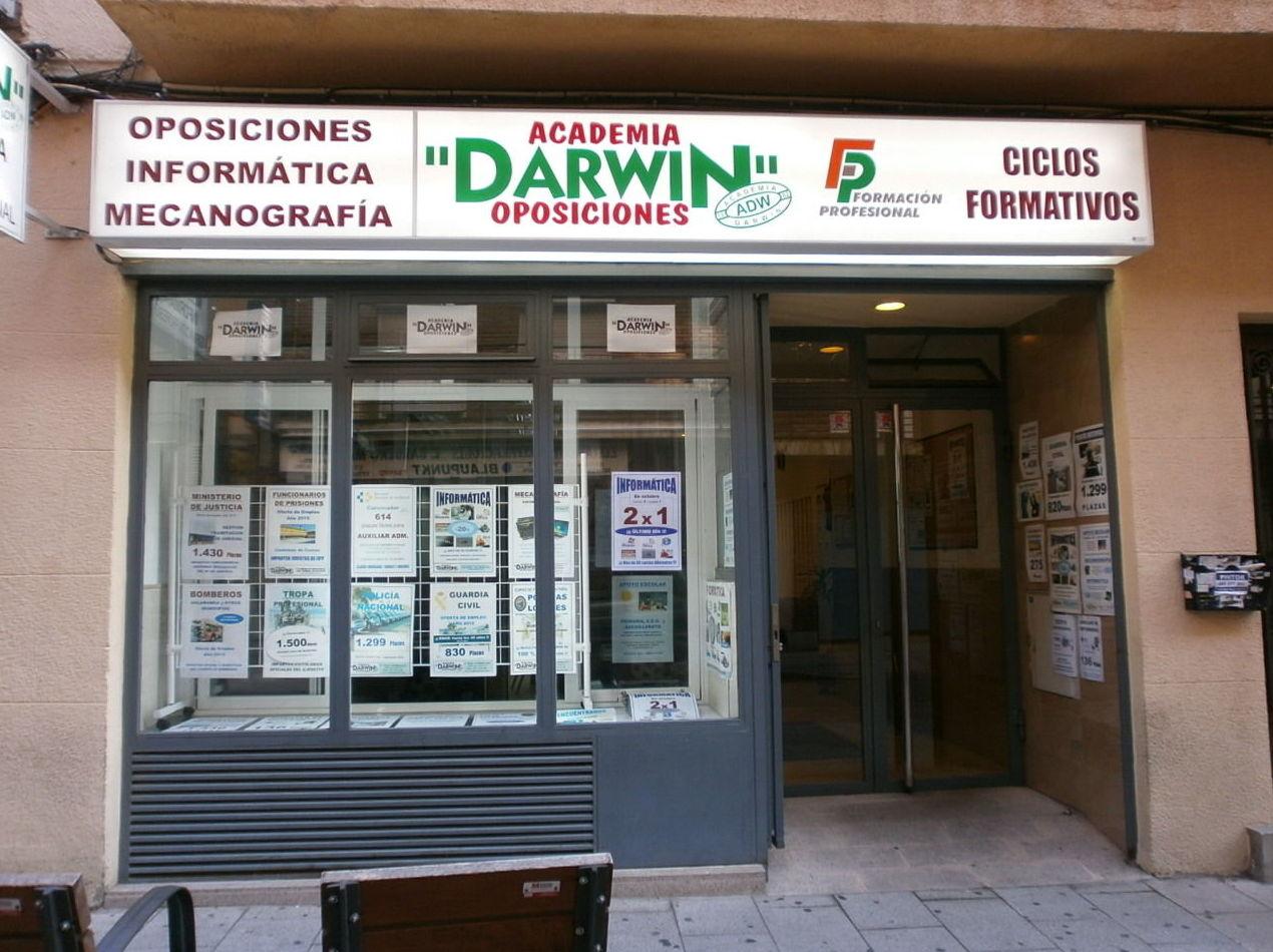 Foto 2 de Academias de estudios diversos en Salamanca | Academia Darwin