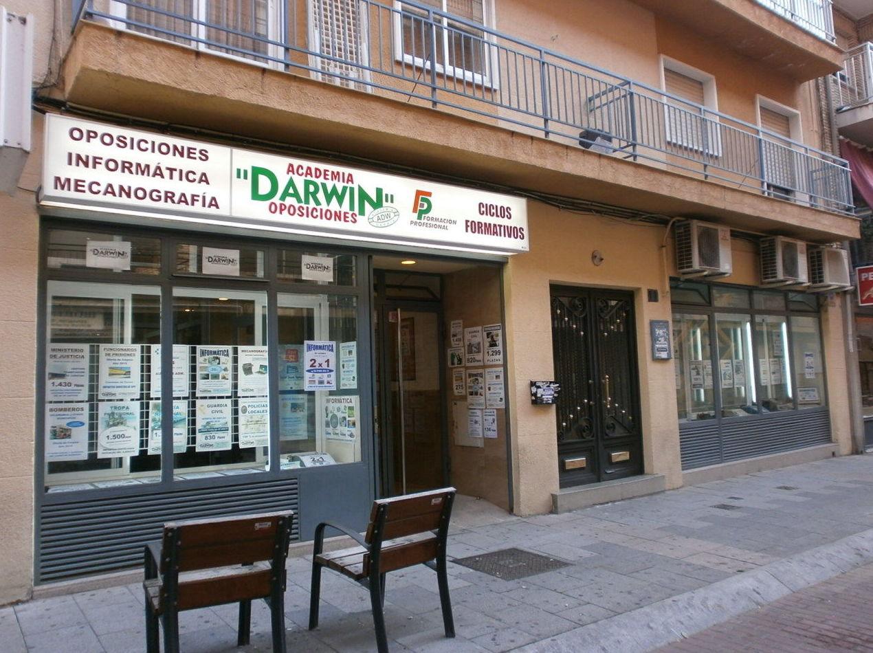Foto 1 de Academias de estudios diversos en Salamanca | Academia Darwin
