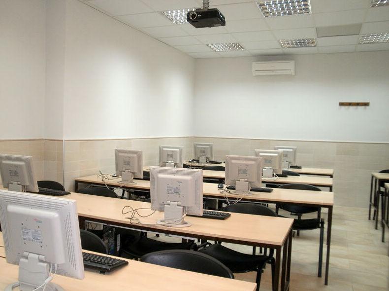 Foto 21 de Academias de estudios diversos en Salamanca | Academia Darwin