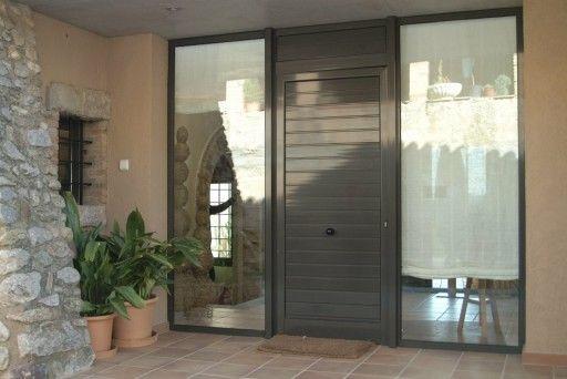 Portales y otros cerramientos de aluminio y cristal en Tarragona