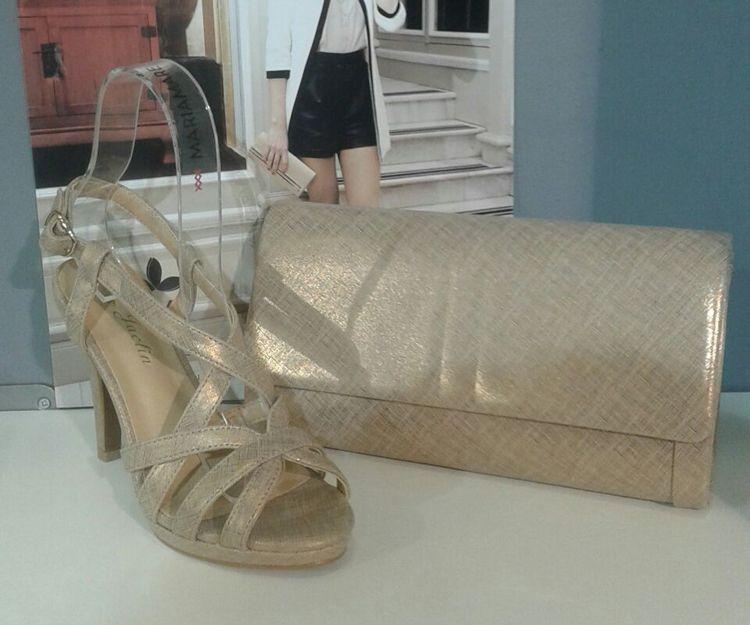 Zapatos y bolso a juego en Granada