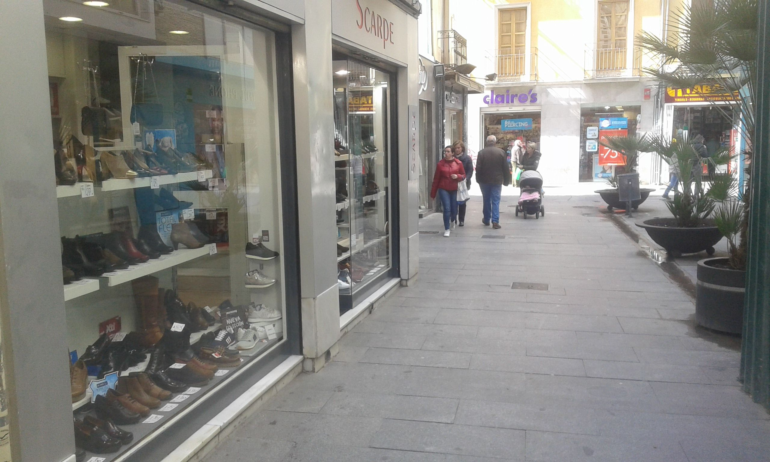 Foto 3 de Zapaterías en Granada   ZAPATERÍA SCARPE