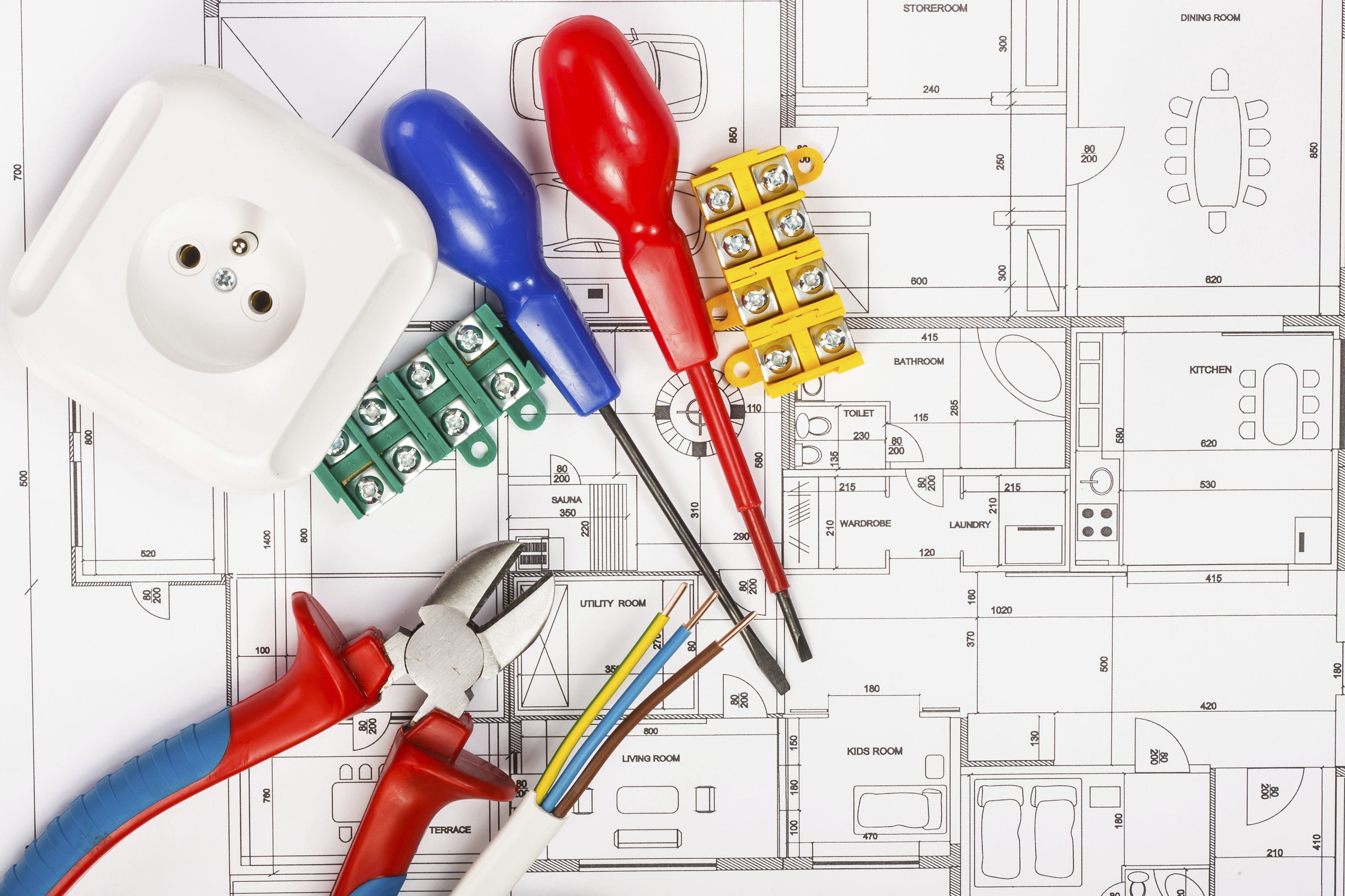 Electricidad: Nuestros servicios de Servicios Integrales Altris - Blazga