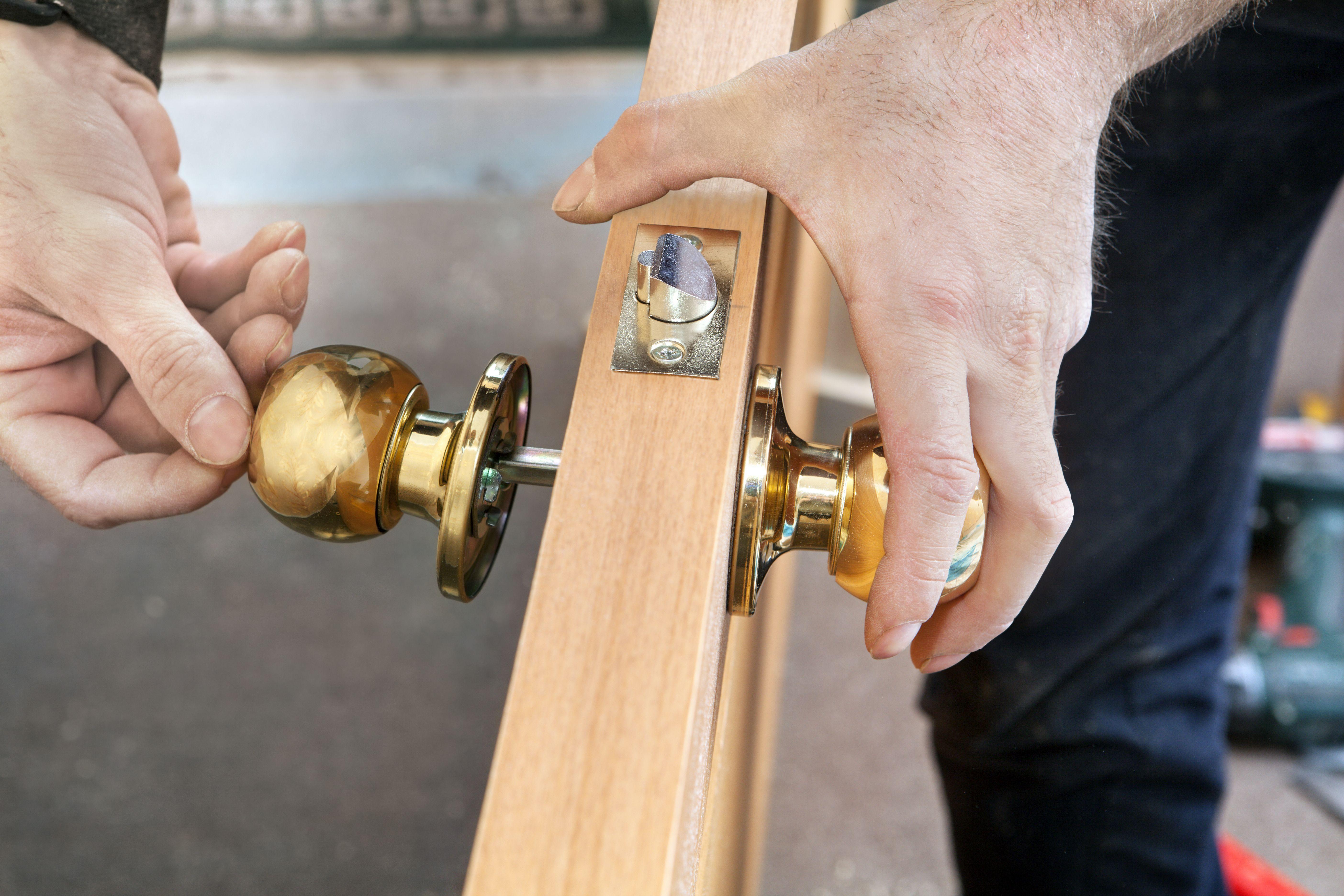 Puertas: Nuestros servicios de Servicios Integrales Altris - Blazga