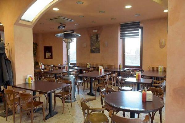Cafetería y restaurante: Servicios de Hostal Sant Miquel