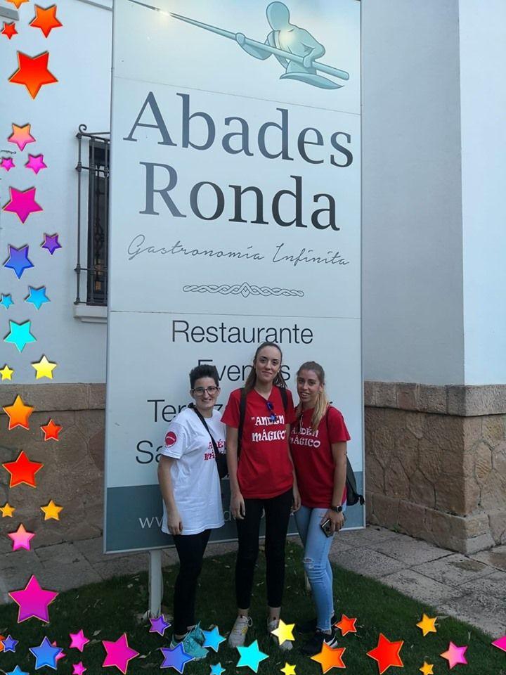 Hoy hemos estado en el restaurante Abades Ronda con la fiesta fin de curso de los peques