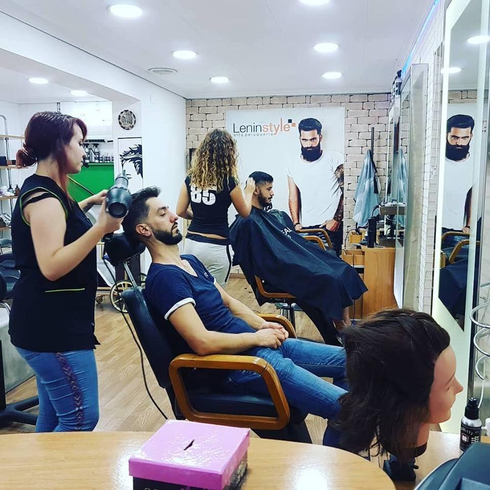 Servicio de peluquería para ellas y ellos