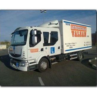 Nuestros vehículos: Permisos y Cursos de Autoescuela Valsan