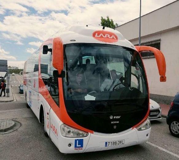 Foto 8 de Autoescuelas en Alcalá de Henares | Autoescuela Lara - Valsan