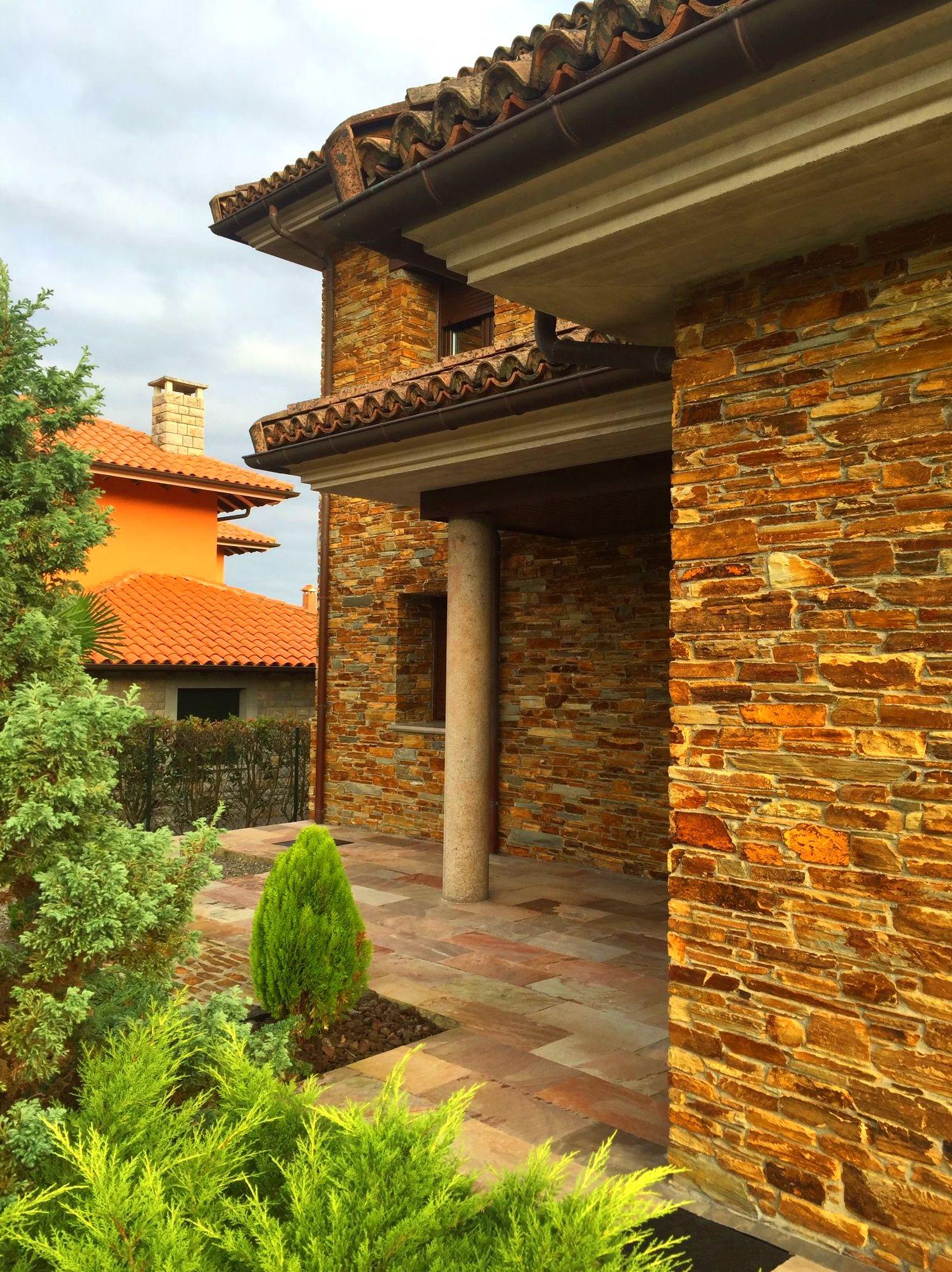 Foto 54 de Fachadas en Colunga | Construcciones Espiniella