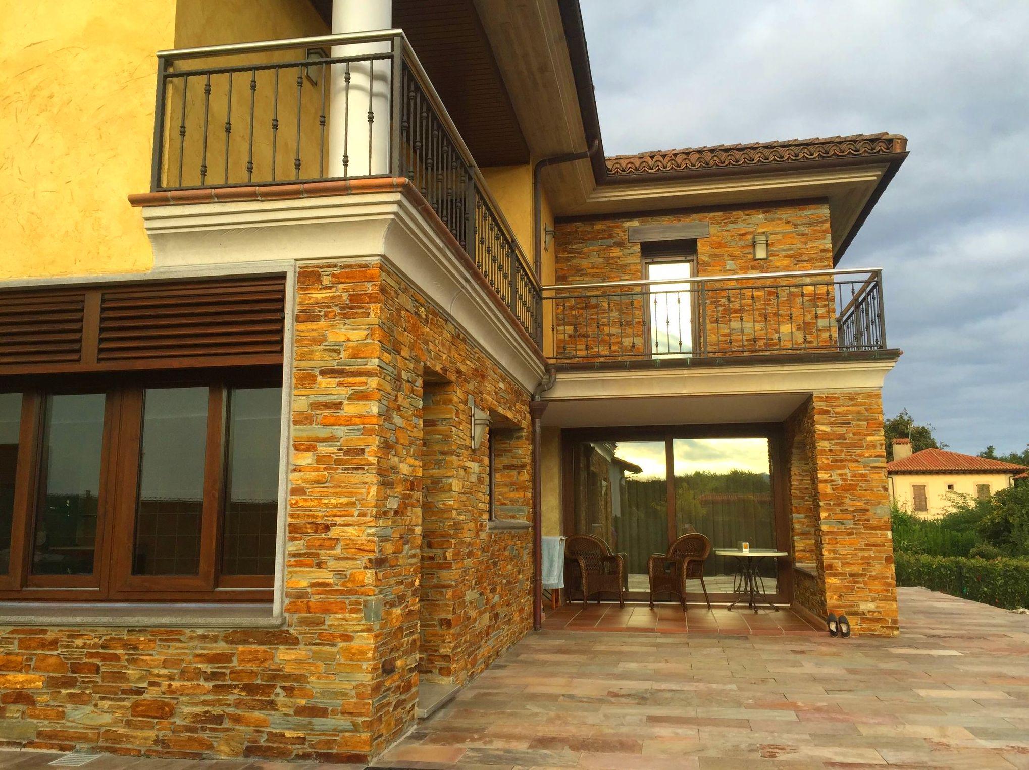Foto 56 de Fachadas en Colunga | Construcciones Espiniella