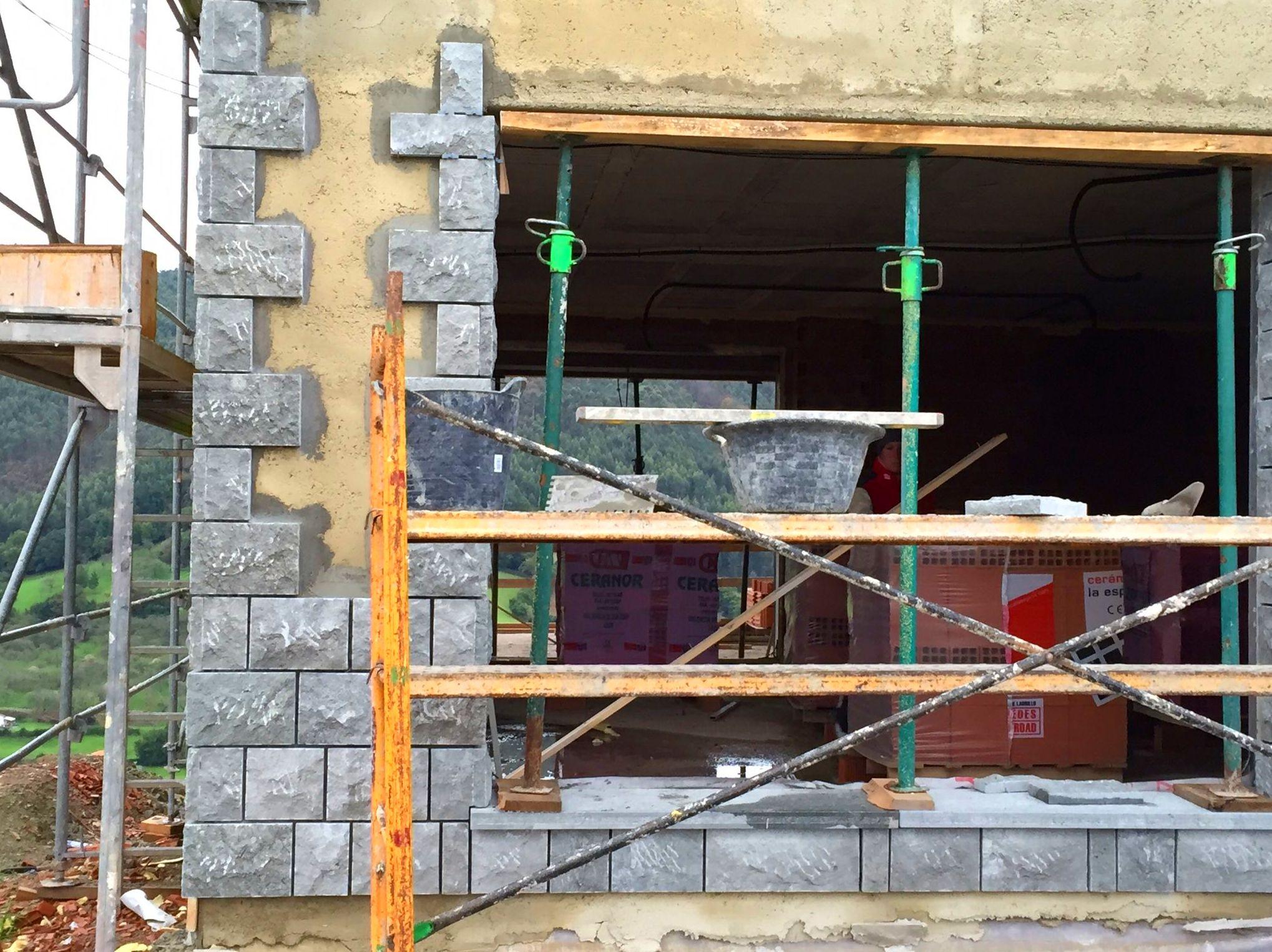 Foto 96 de Fachadas en Colunga | Construcciones Espiniella
