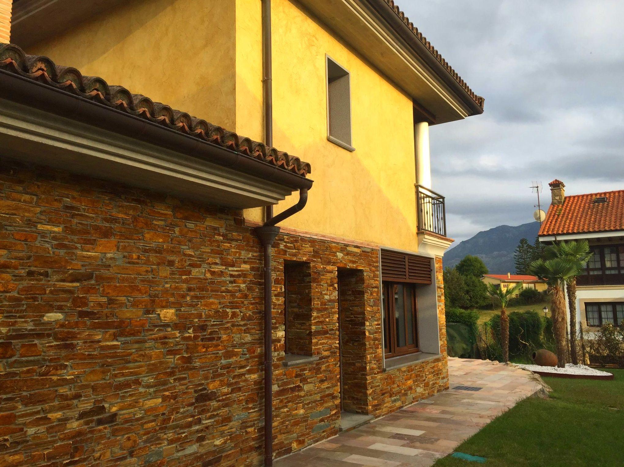 Foto 57 de Fachadas en Colunga | Construcciones Espiniella