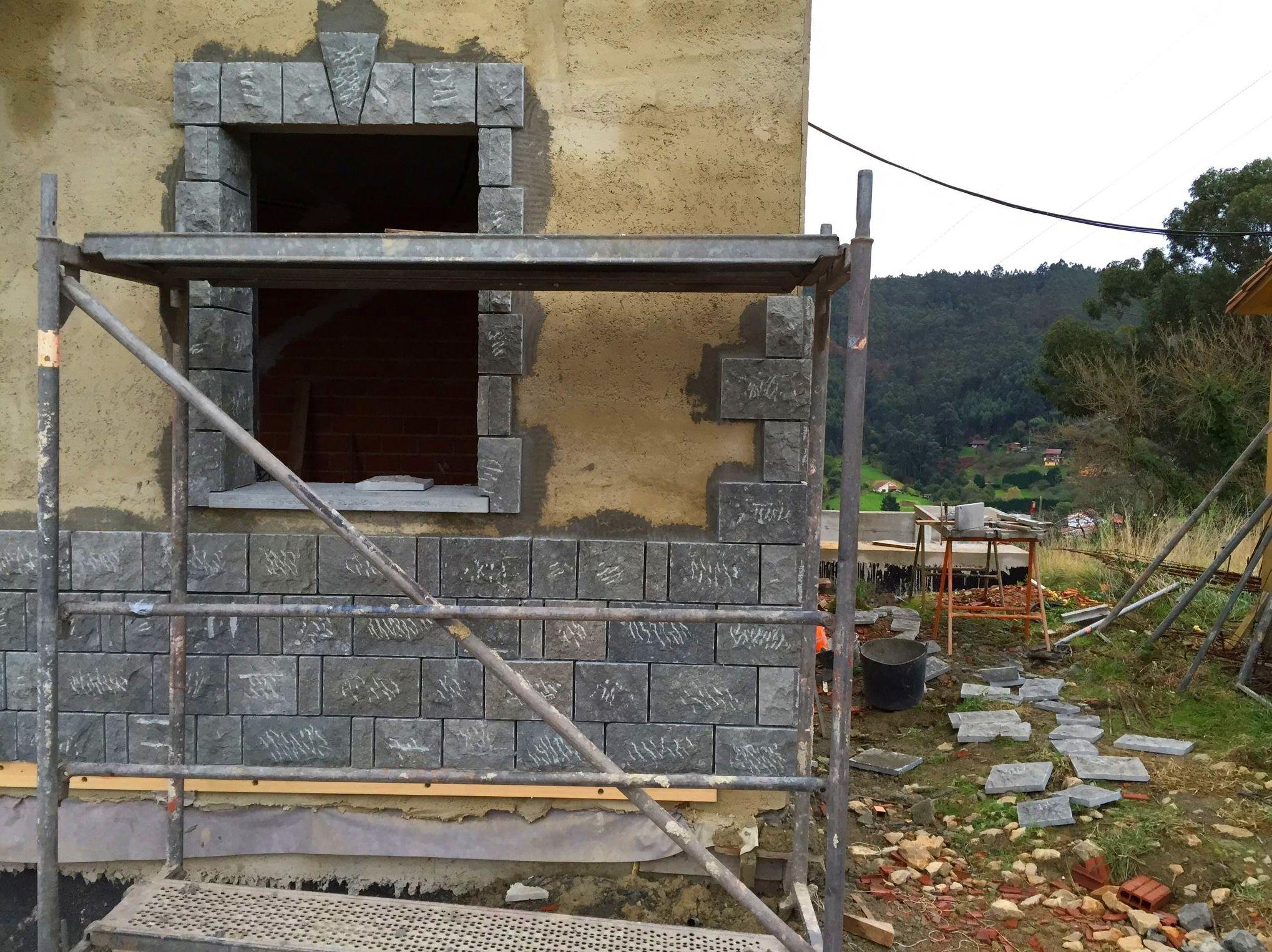 Foto 91 de Fachadas en Colunga | Construcciones Espiniella