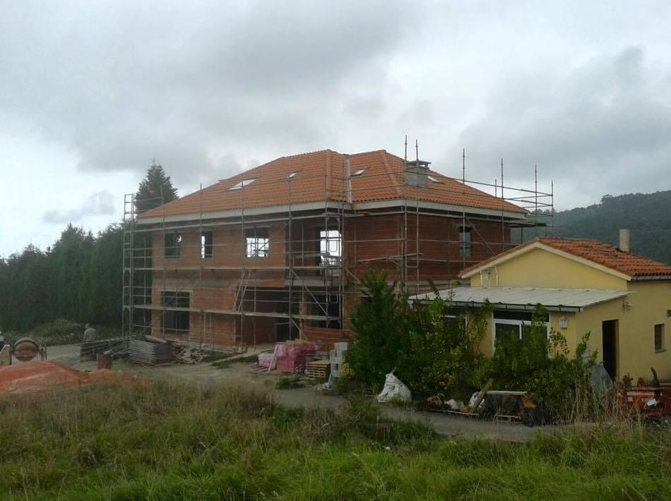 Construcción de viviendas en Colunga