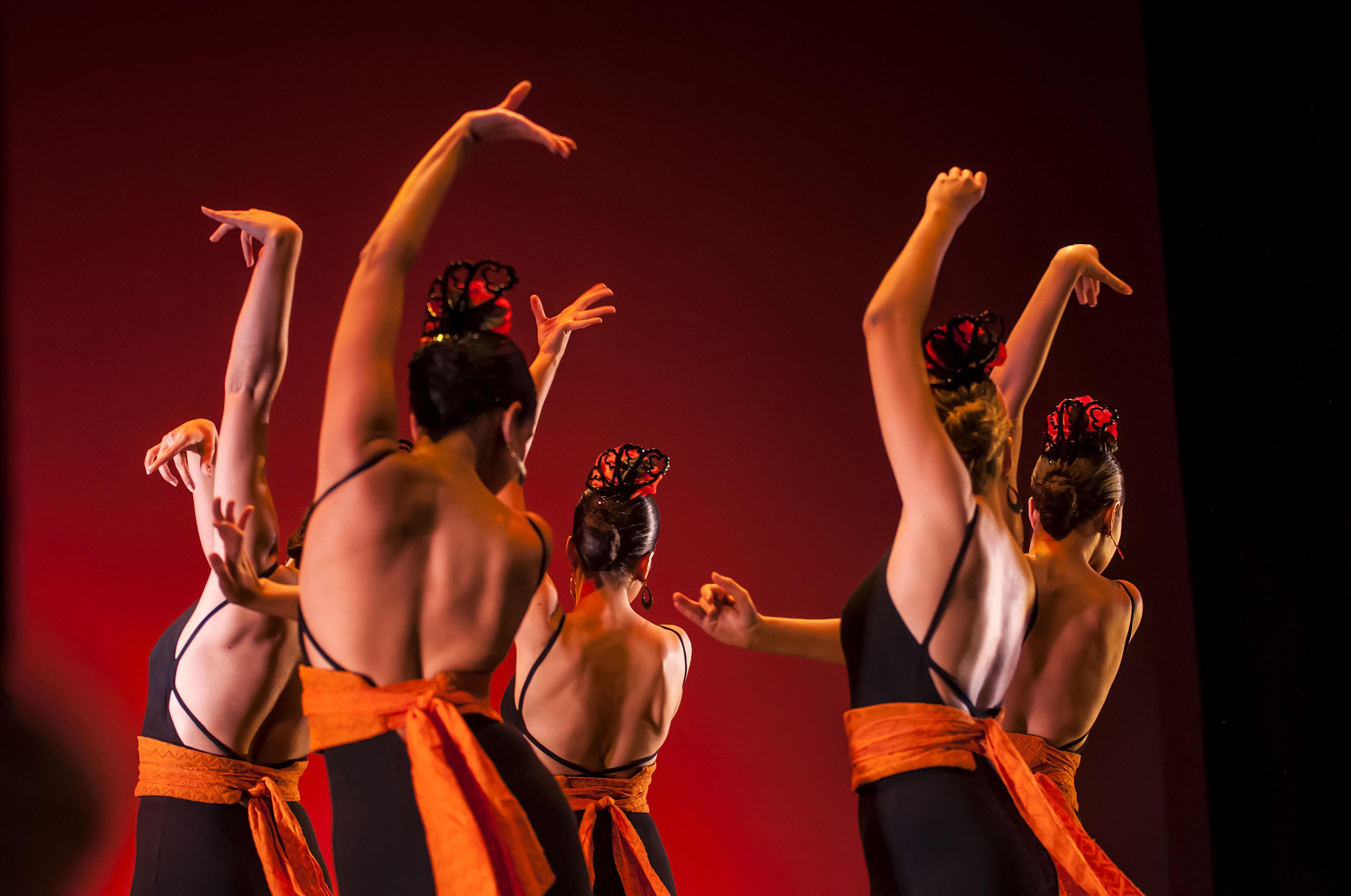 Danza Española: Actividades y horarios   de Taller de Danza de Alcalá