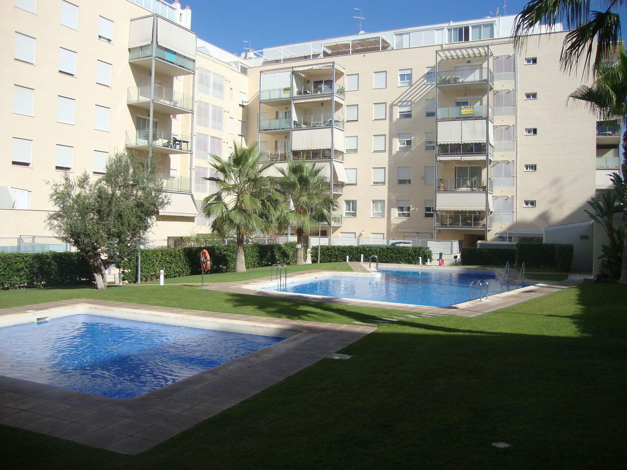 Foto 65 de jardiner a en riba roja de t ria mimojard n - Mantenimiento piscinas valencia ...