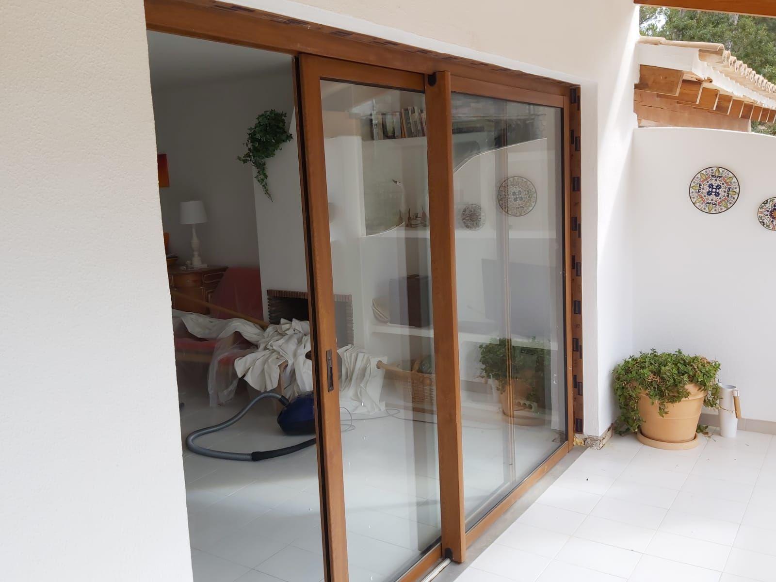 Puertas  correderas de terraza Aluminios Mallorca Baleares