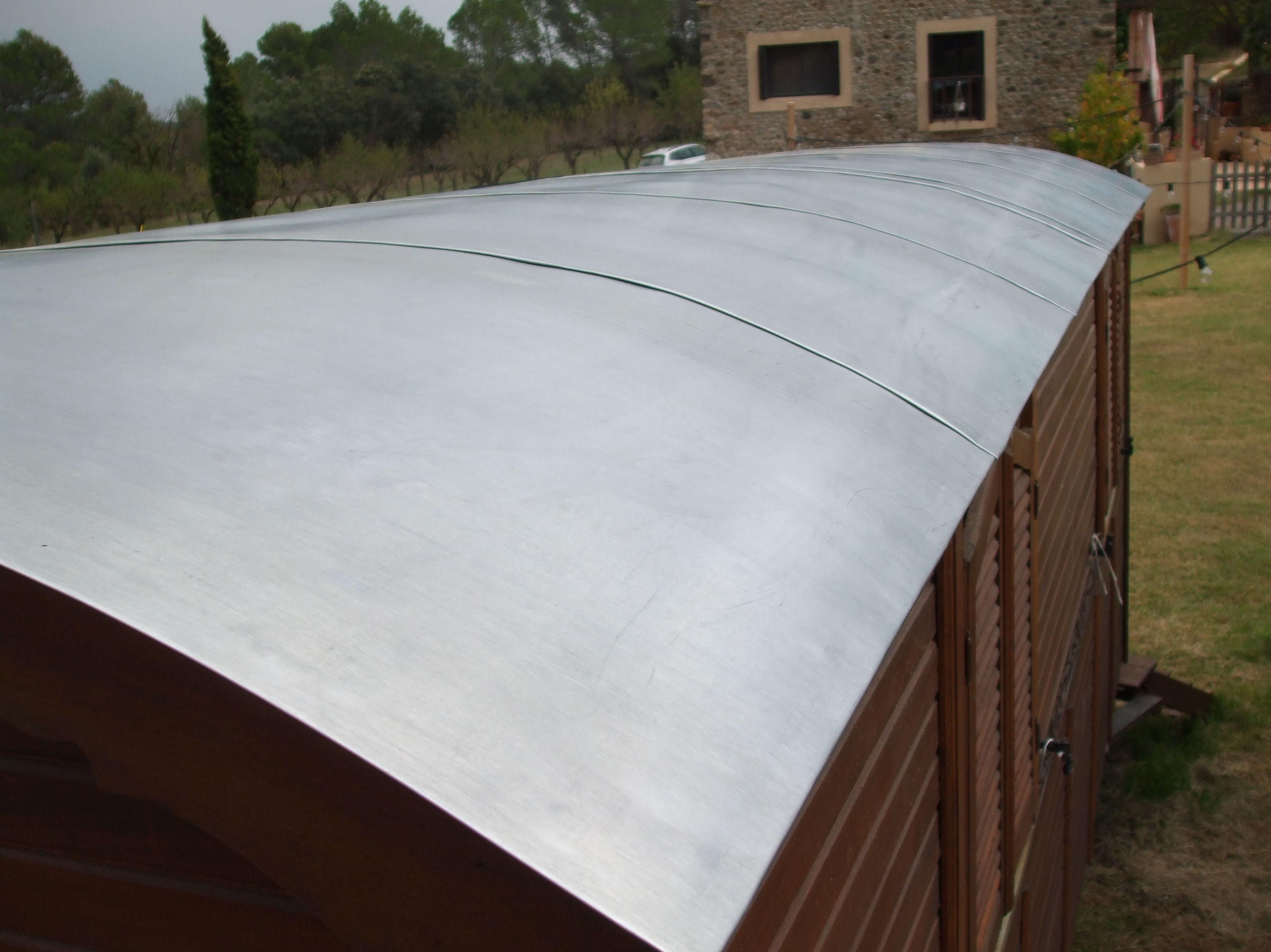 Cubierta junta plana de zinc en carabana antigua