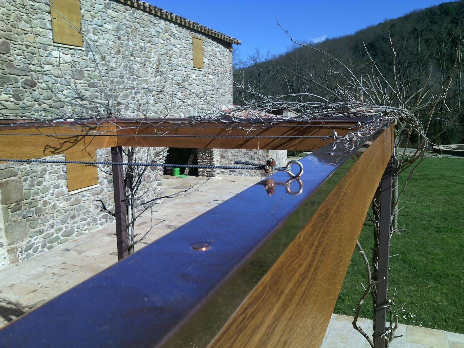 Perfil de cobre para proteger la madera en  Girona