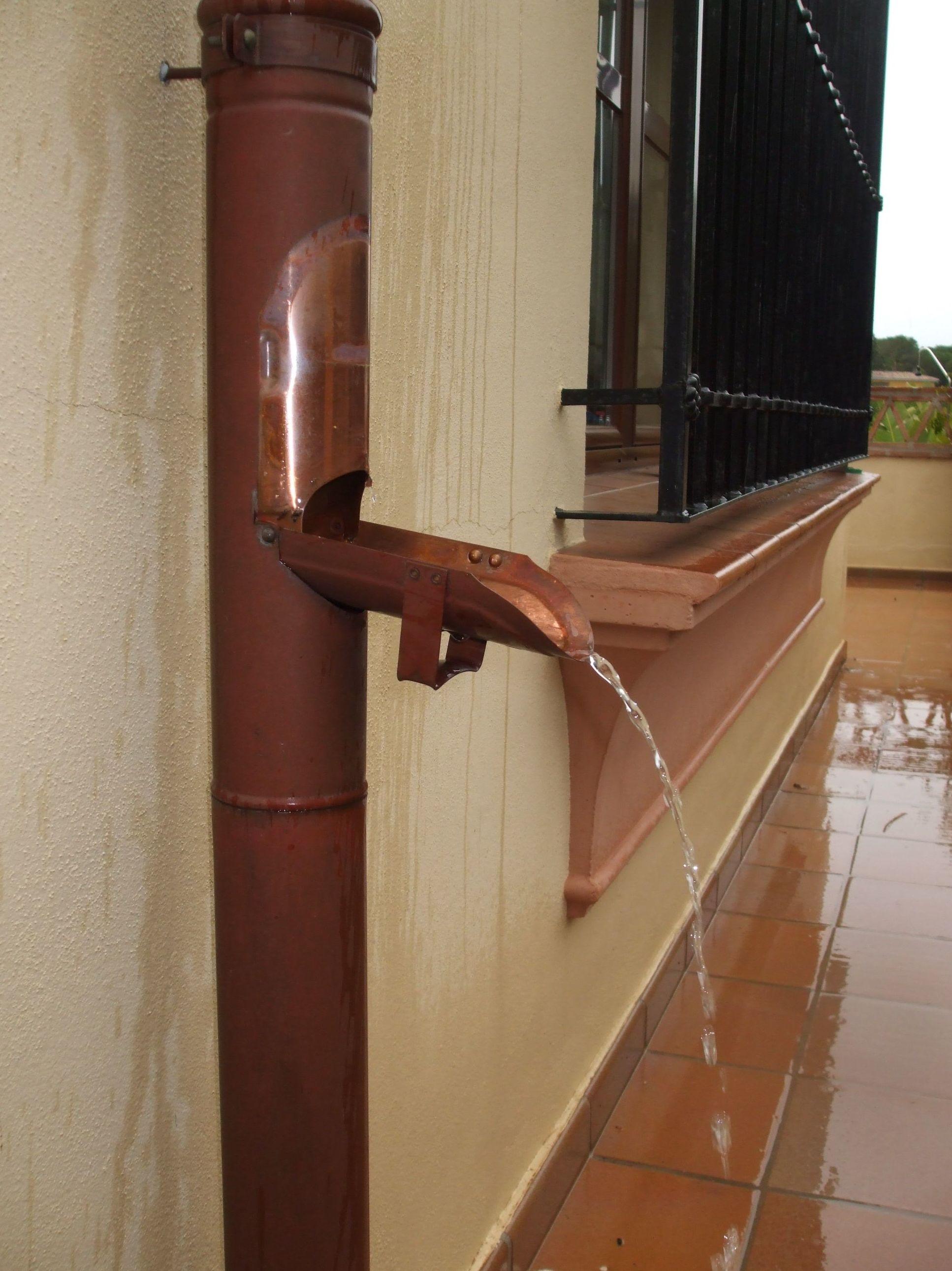 Desviador de agua de cobre
