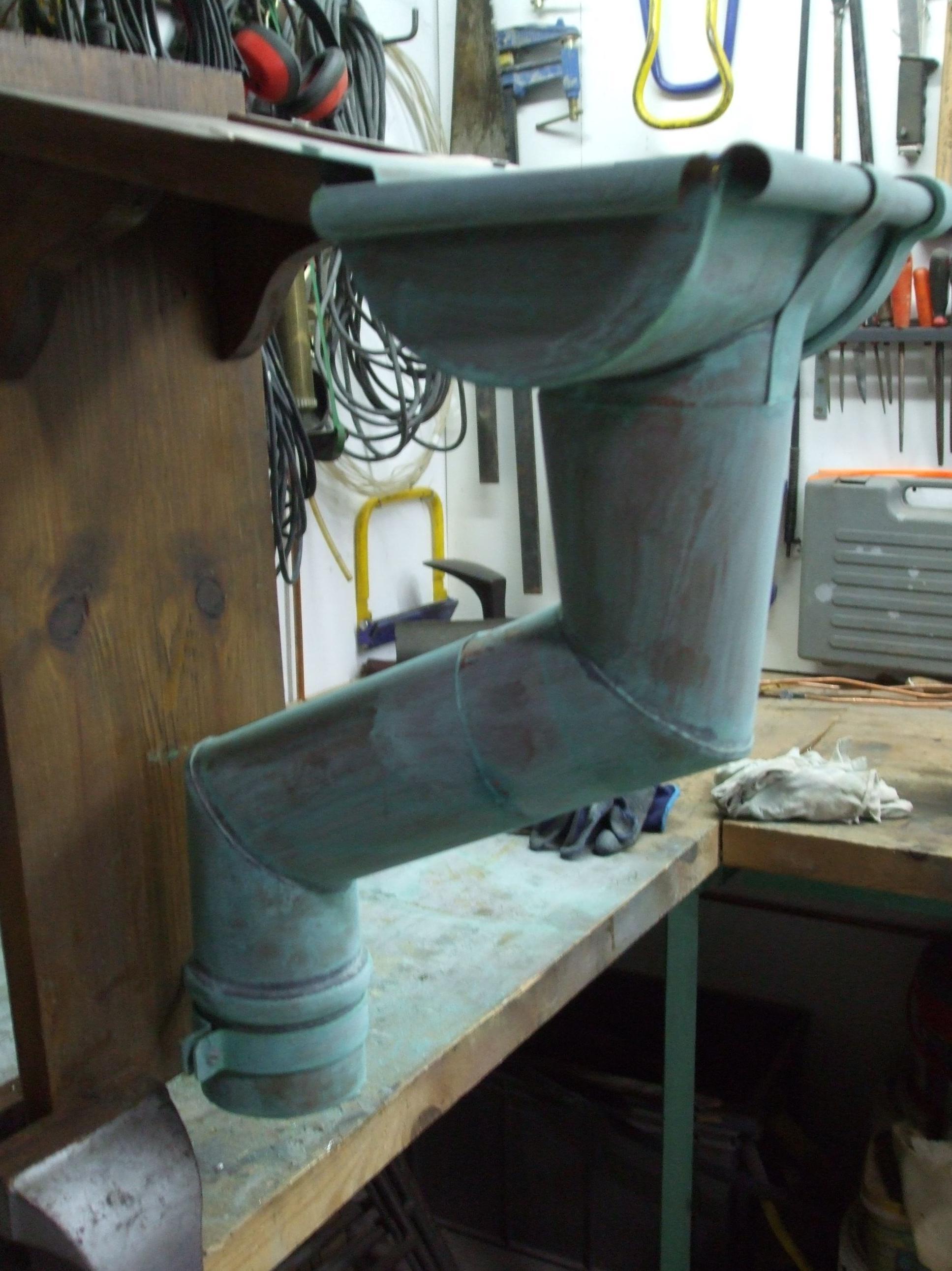 Canalón artesanal cobre oxidado
