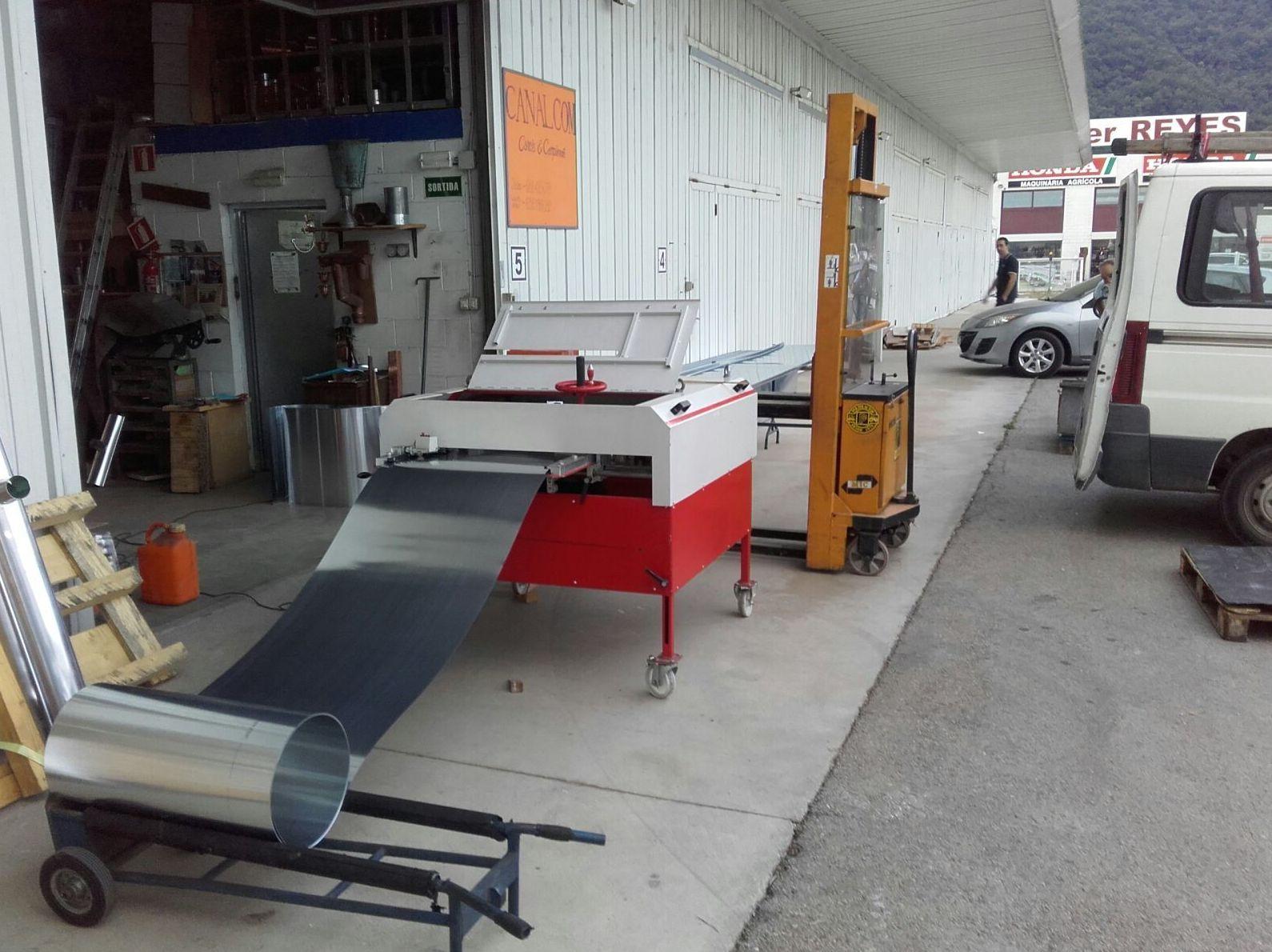 Fabricación de bandejas de zinc en Girona
