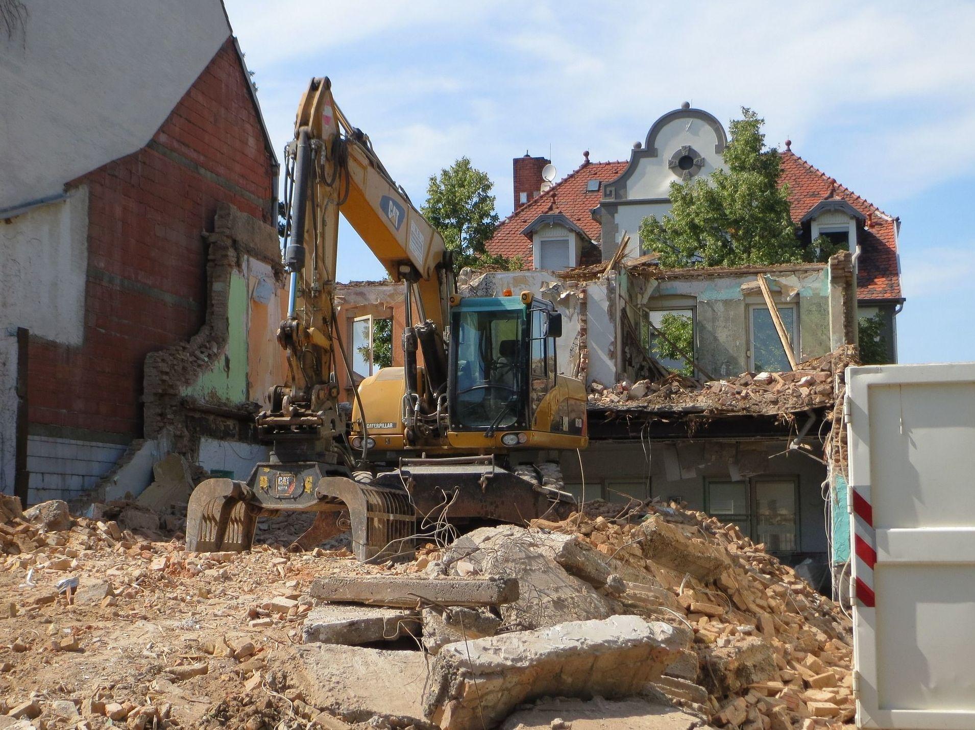 Derribos y demoliciones en Huelva