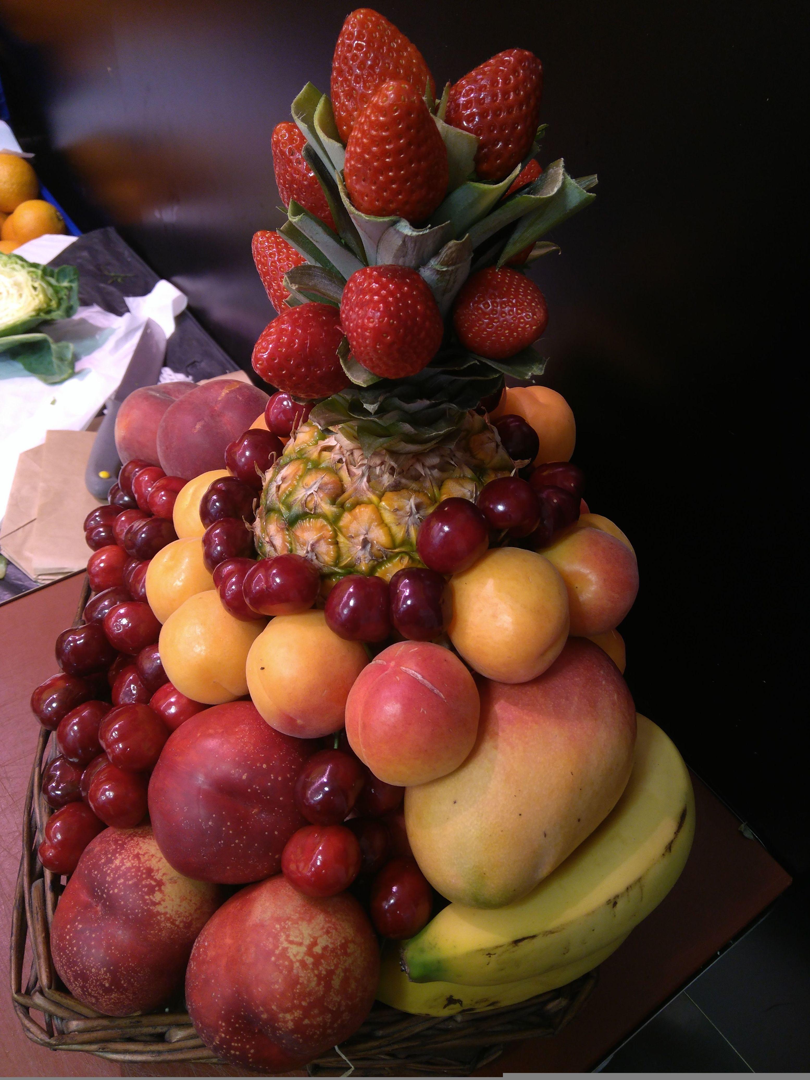 Cesta con Frutas de temporada de FRUTAS PAULA